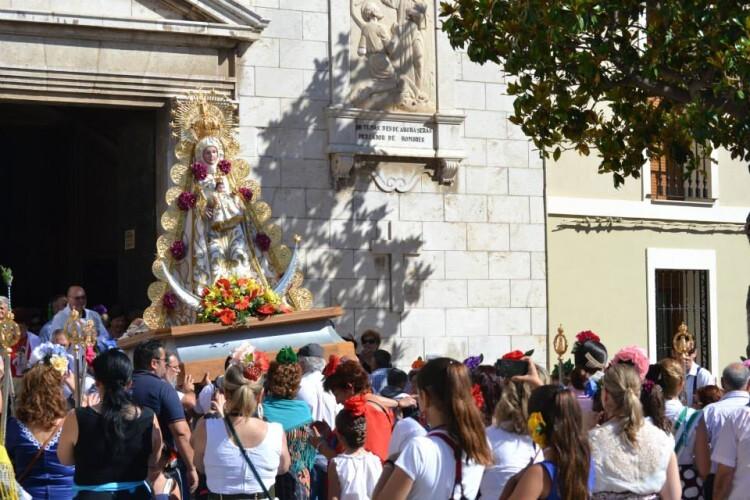 (SÁBADO 6) ROMERÍA DEL ROCÍO. Salida de la Virgen del Rocío e inicio de la romeria