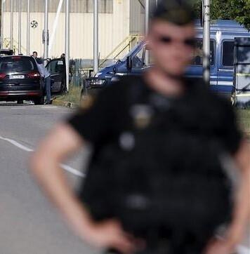Toda la zona ha sido militarizada y controlada por efectivos policiales de apoyo.