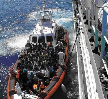 Todos los rescatados fueron trasladados al puerto de Cagliari.