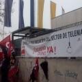 Trabajadores de CGT ante una movilización frente al Grupo Marktel.