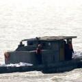 Varias embarcaciones acuden al rescate de los sobrevientes. (Foto-AFP)