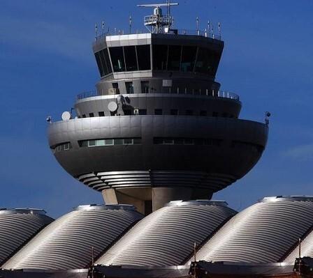 Vista de las plantas superiores de la torre de control del Aeropuerto Adolfo Suárez Madrid-Barajas.