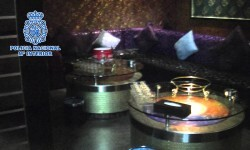 La Policía Nacional libera a seis mujeres explotadas sexualmente en karaokes de Madrid