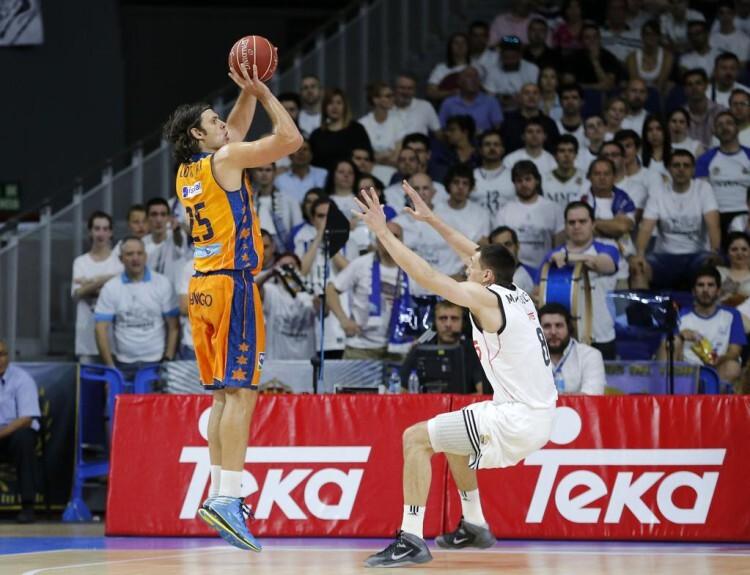 Loncar se tuvo que retirar lesionado en el primer partido de las semis. Foto: M. A. Polo / Valencia Basket