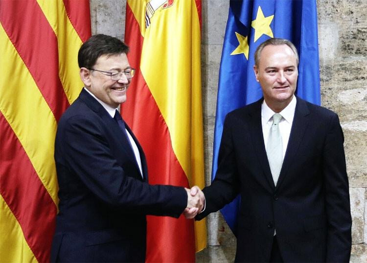 Ximo Puig en el encuentro con Alberto Fabra, en el protocolario traspaso de poderes.