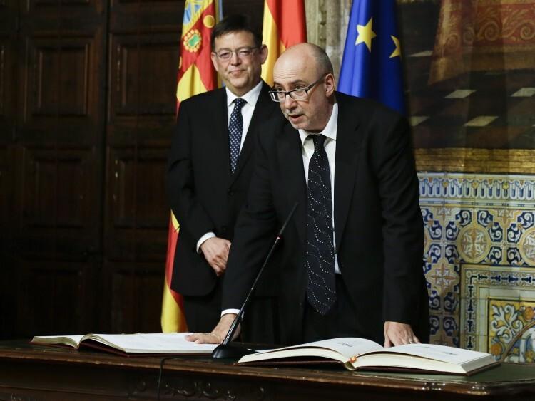 Manuel Alcaraz durante la toma de posesión como conseller de Transparencia, Responsabilidad Social, Participación y Cooperación