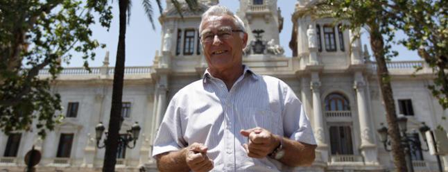 0701.Joan Ribó con el Ayuntamiento