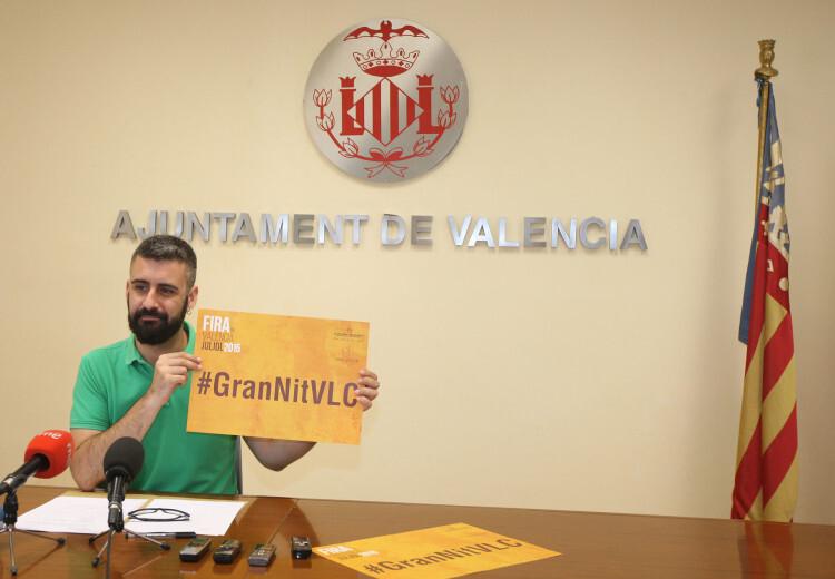 Pere Fuset muestra el hashtag de la Gran NBit de Julio.