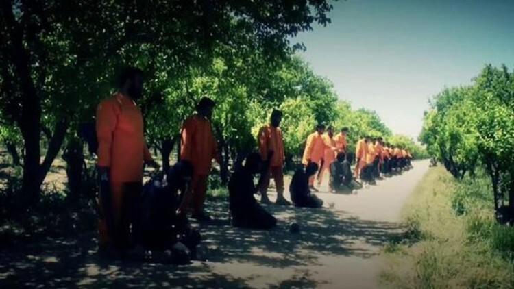 Al Qaeda se venga de ISIS con sangrienta ironía las víctimas ejecutan a sus verdugos (1)