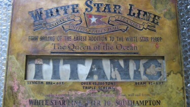 Apareció una placa original del Titanic que se buscaba desde 1912