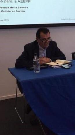 Arsenio Escolar durante la presentación del informe solicitado por la AEEPP.