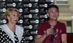 Carol Ros y Garó presentado la obra a los medios de comunicación.