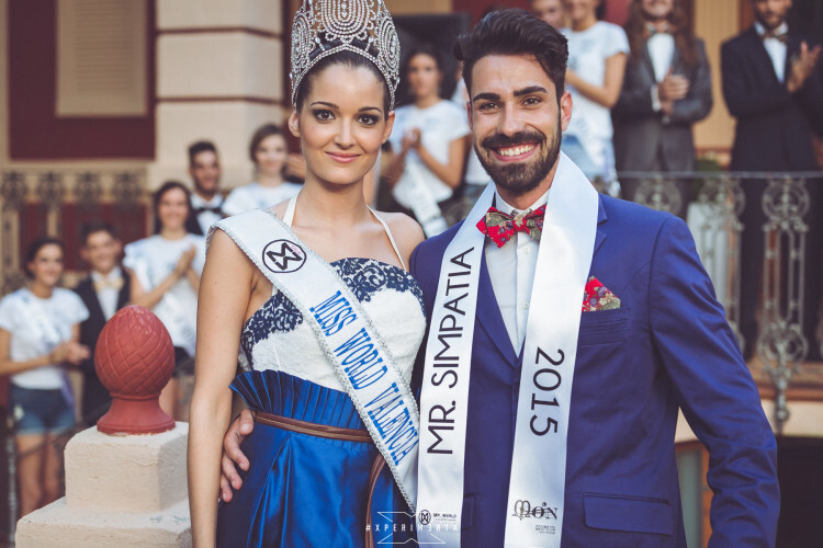 Cecilia Bellido, actual Miss World Spain junto a Kevin Cabrera galardonado Mister World Simpatía 2015 del área de Valencia.