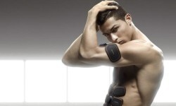 Cristiano Ronaldo siempre es noticia por lo que hace dentro de la cancha y lo que hace fuera de esta.