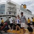Cruceristas que llegan a Valencia.