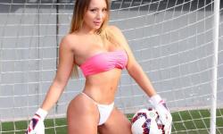 Daniella Chávez desnuda 'calienta' final de la Copa América La Copa América ya tiene reina  una ex amante de 2 CR7 (3)