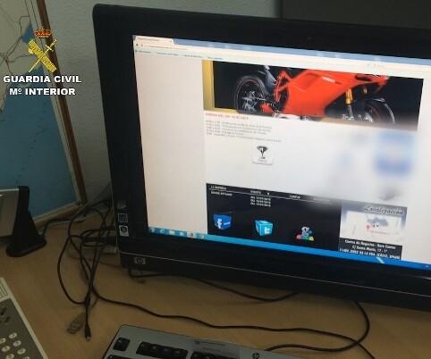 Detenidos 13 estafadores e imputadas otras 9 personas que habían organizado una falsa concentración de vehículos de lujo en el circuito de Jerez