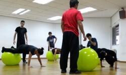 Ejercicios que se realizan en el taller de curso teatral.