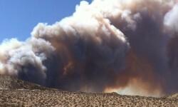 El incendio forestal que mantiene alerta a California (8)