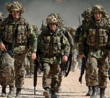 El pasado 10 de junio, Obama autorizó enviar a Irak cerca de 450 militares más, y establecer un nuevo centro de entrenamiento.