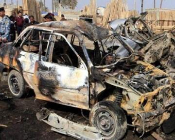 El primero atentado fue un coche bomba que estalló en una calle comercial de la capital iraquí.