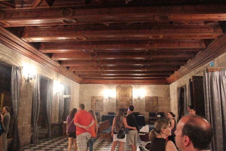 Visitas en La Lonja durante la Gran Nit de Juliol. Foto: Javier Furió