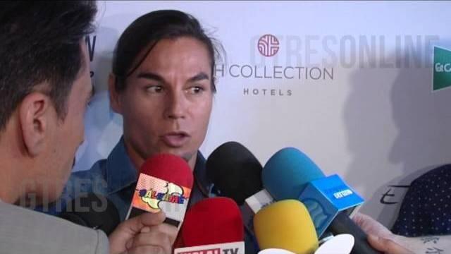 Julio Iglesias junior da el visto bueno a la relación de su madre Isabel Preysler con Mario Vargas Llosa