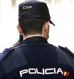 La Policía averiguó que estas personas eran dadas de alta en la Seguridad Social simulando contratos de trabajo.
