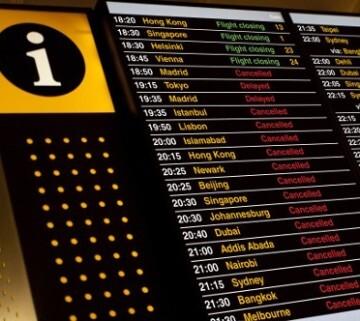 La aerolínea Alitalia cancela hoy el 15 por ciento de sus vuelos de corto y medio radio por la huelga de pilotos y asistentes de vuelo.