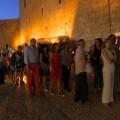 La gente acude al Festival de Teatro Clásico de Peñiscola.
