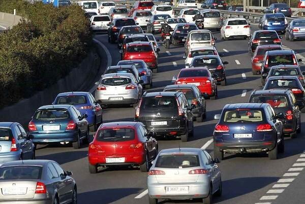 Las carreteras valencianas vivirán una intensa jornada de tráfico.