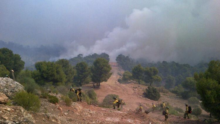 Los incendios de Jaén y Muduex continúan activos, los de Lújar y Montán están estables