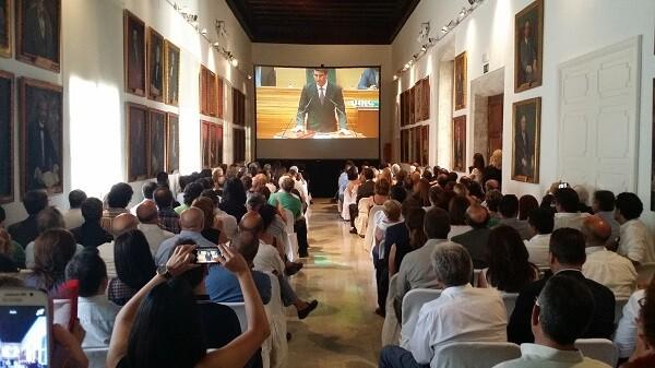 Más de 400 invitados acudieron a la elección del nuevo presidente de la Diputación
