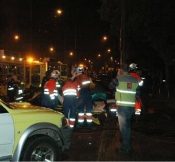 Policía y bomberos coordinaron las tareas de rescate.