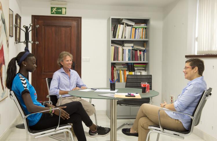 Reunión con Rafa Blanquer y Fátima Diame foto_Abulaila (3)