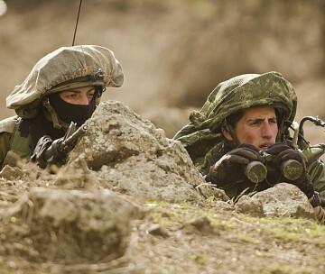 Soldados de unidades de elite de infantería.