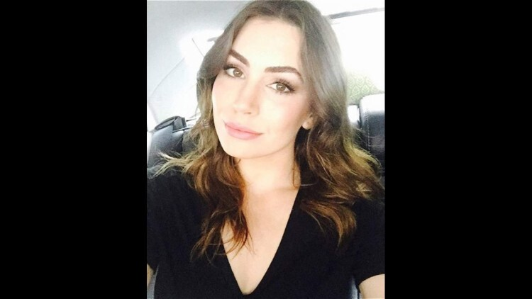 Sophie Simmons (@sophie_tweed_simmons), de 22 años, es hija de Gene Simmons, el bajista de KISS, y la actriz Shannon Tweed