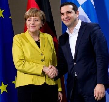 Tsipras se lo anunció a Merkel en una conversación telefónica que mantuvieron ambos  (Photo by Carsten Koall/Getty Images)