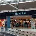 Una tienda de centro comercial cerca de París fue atacada por tres hombres armados