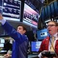 Wall Street cerró con fuerte caída en una sesión accidentada por problemas técnicos