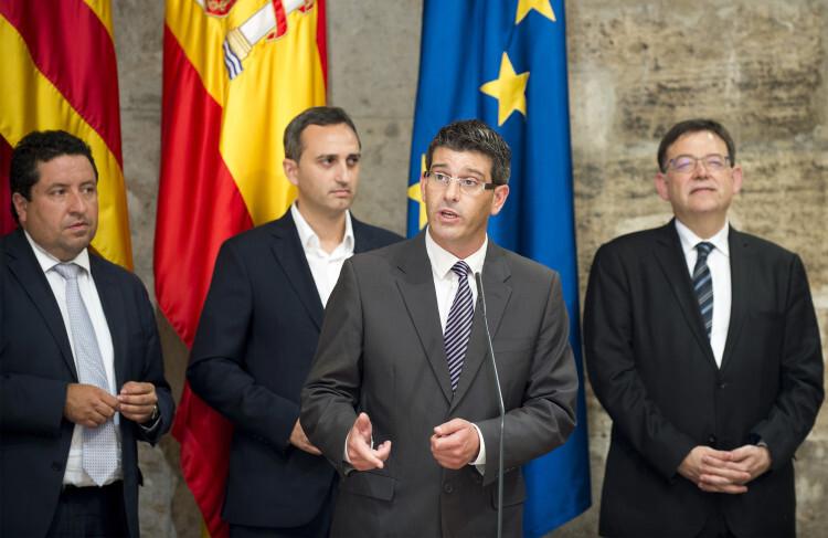 Rodríguez se dirige a los medios de comunicación. Foto: Abulaila.