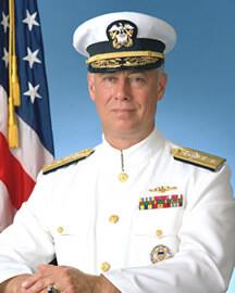 Almirante Dean Reynolds.