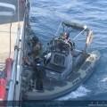 El Equipo Operativo del Serviola se prepara para intervenir a la embarcación sospechosa