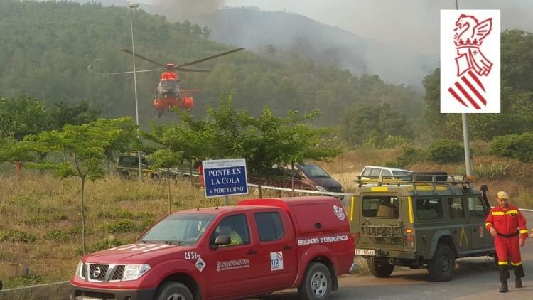 La acción de los medios aéreos se ha visto dificultada por la niebla. Foto: GVA 112