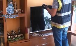 La Policía Nacional desarticula una organización que explotaba sexualmente a mujeres en Manresa