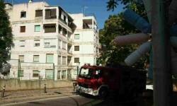 Imagen de la finca en la que se ha actuado esta tarde por incendio de vivienda 5 planta  C La Era 25, Serra.jpg