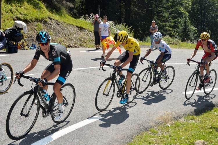 Iñigo Méndez de Vigo siguió de carca la etapa Tarbes / La Pierre Saint Martin. En la imagen, Richie Porte (SKY), el líder Chris Froome (SKY), Nairo Quintana (MOV) y Tejay Van Garderen (BMC) en plena ascensión.