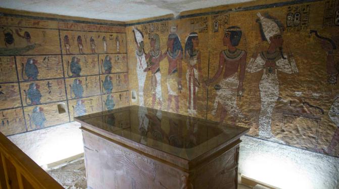 150814_tumba_Nefertiti_FactumArteOK