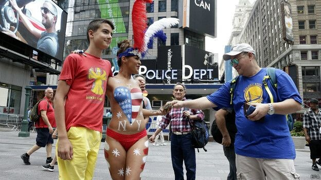 150822035602_sp_new_york_times_square_desnudas_624x351_epa