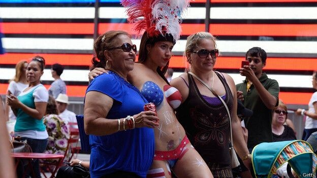 150822035751_sp_new_york_times_square_desnudas_624x351_getty
